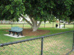 Bill Lammond Dog Park, Lota
